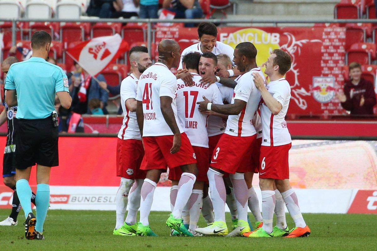 Bucurie gol jucători Salzburg